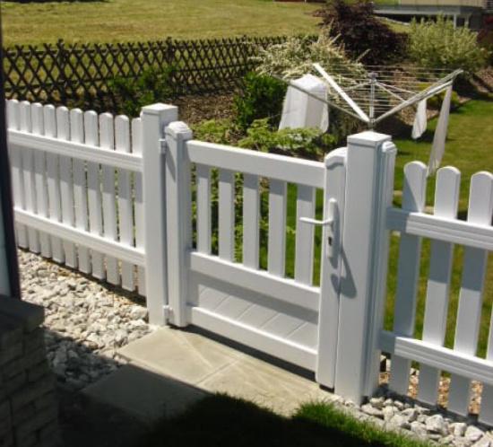 Clôture et portillon de jardin